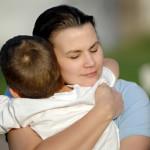Bambino di Trento riportato a casa dall'assistente sociale